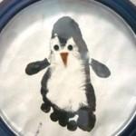 Поделка пингвин. Рисунок из отпечатка ноги