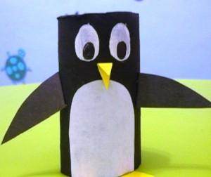 Поделка пингвин - рисунок из отпечатка ноги (9)