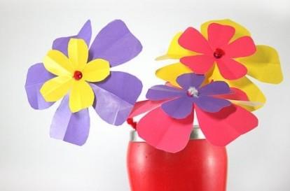Поделки на 8 марта для детей - поделки из бумаги цветы (4)