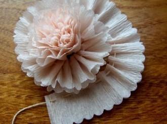 Поделки на 8 марта для детей - поделки из бумаги цветы (10)