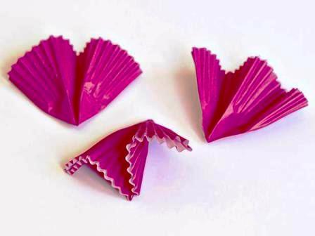 Как сделать своими руками цветы из бумаги (5)