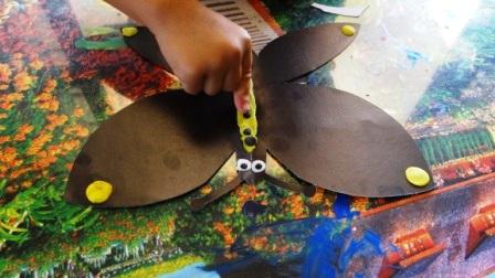 Бабочка из пластилина - необычные рисунки (6)