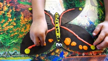 Бабочка из пластилина - необычные рисунки (4)