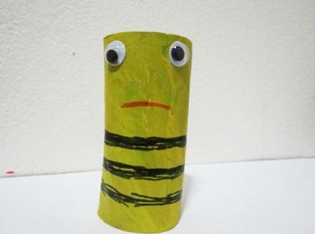 Поделки из туалетных рулонов - Пчёлка Майя (4)