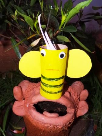 Поделки из туалетных рулонов - Пчёлка Майя (1)