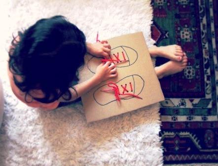 Учимся завязывать шнурки (1)