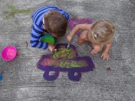 Как сделать краски для рисование на асфальте (8)