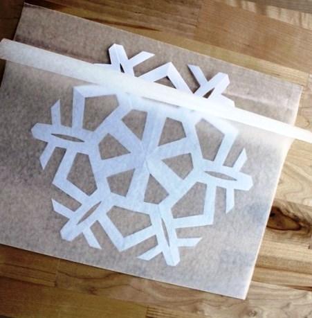 Как сделать снежинку из бумаги (7)