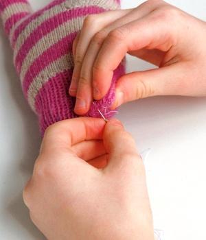 Игрушки из перчаток своими руками (4)