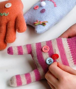 Игрушки из перчаток своими руками (5)