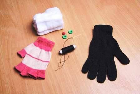 Как сделать игрушку из перчатки (2)