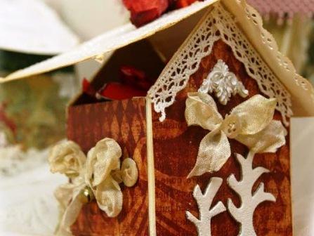 Как сделать новогодний домик (5)
