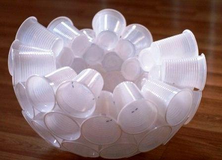 как сделать снеговика из стаканчиков (1)