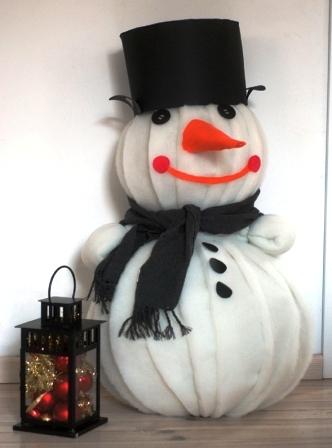 Как сделать объемного снеговика (3)