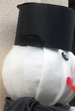 Как сделать объемного снеговика (11)