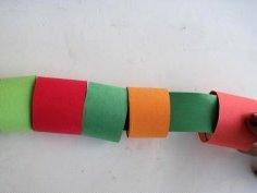 Поделка гусеница из бумаги (4)
