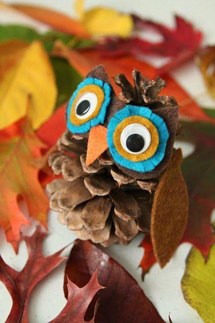 Осенние поделки из шишек (5)