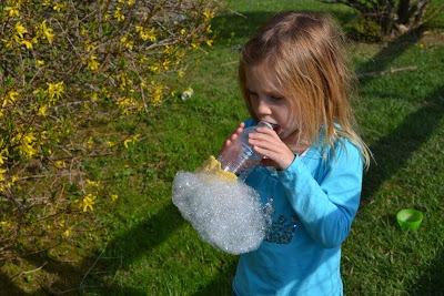 Как сделать мыльные пузыри для детей