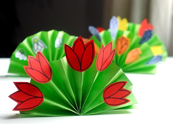 Веер из бумаги — Весенний букет своими руками   Поделки для детей 60574033ada