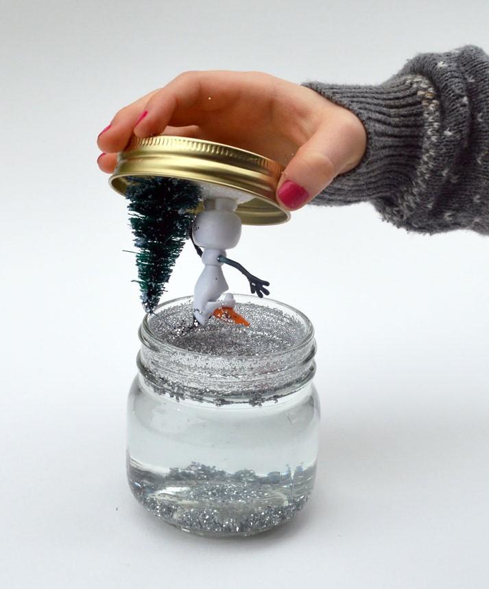 Из чего сделать снежный шар своими руками в домашних условиях