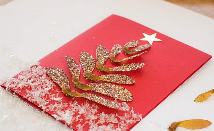 Красавица, открытка бабушке на новый год