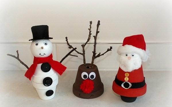 Поделка Снеговик, Санта Клаус и Олень из цветочных горшков